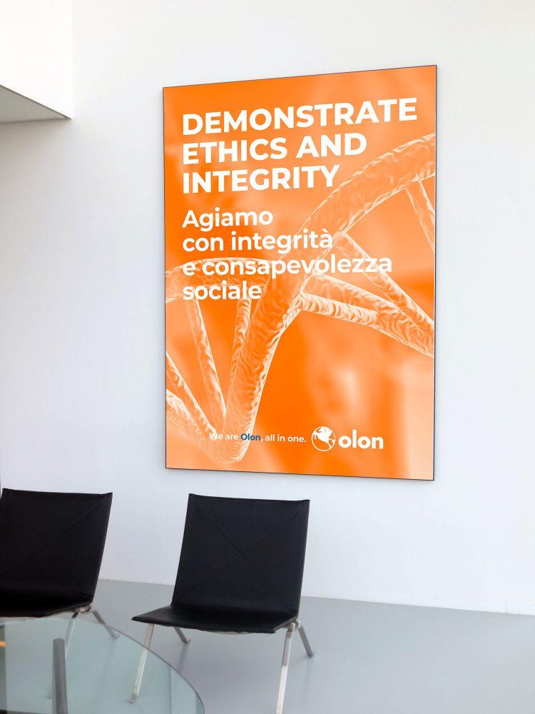 Posters per comunicazione interna aziendale, focus points, restyle immagine istituzionale